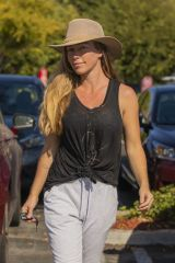 Kendra Wilkinson Picked up groceries in LA