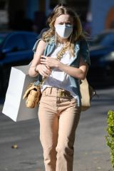 Dakota Fanning Shopping on Melrose Place in West Hollywood
