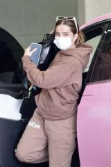 Addison Rae Spotted visiting the doctor's office in Beverly Hills