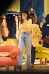 Selena Gomez Shopping in NYC
