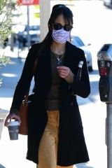 Jordana Brewster Gets coffee in Brentwood