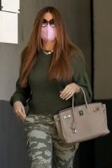 Sofia Vergara Out for running errands in Beverly Hills