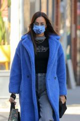 Irina Shayk Out running errands in New York