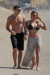 Shanna Moakler Seen with her boyfriend on the beach in Malibu