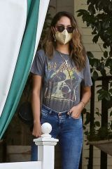 Eiza Gonzalez Out for lunch in West Hollywood
