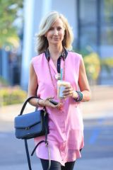 Lady Victoria Hervey looks pretty in Pink while grabbing an iced coffee From Starbucks during her Sunday outing in West Hollywood