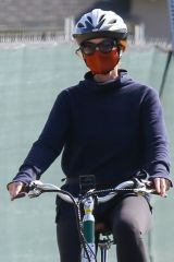 Marcia Cross Hopped on her bike for a Mother's day adventure in Brentwood