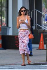 Lily Aldridge Seems to have fallen on her right side as she displays some bandages in New York