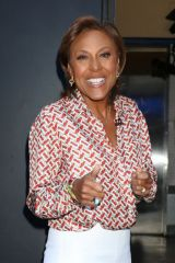 Robin Roberts Is in good spirits outside ABC studios in New York
