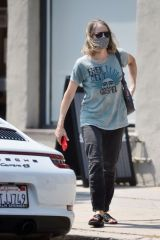 Jodie Foster Leaves nail salon with a face mask after getting a manicure and pedicure in Los Angeles