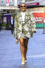 Ashley Roberts Leaves Global Radio after presenting her show in London