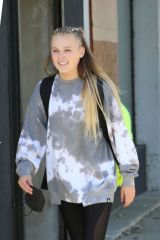 JoJo Siwa Poses for selfies as she heads out after dance practice at the DWTS studio in Los Angeles