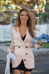 Chrishell Stause Seen leaving an open house as the realtor tries to make a sale in Studio City
