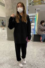 Madison Beer Greets Fans while in Toronto before her 1st Tour Concert
