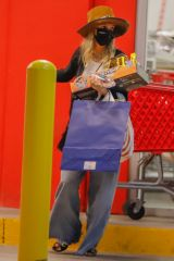 """Ashlee Simpson Sticks to a budget as she shops at Target in Los Angeles"""""""