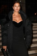 """Irina Shayk Pictured at the Anne Imhof exhibition """"Natures Mortes"""" in partnership with Burberry at the Palais de Tokyo in Paris"""