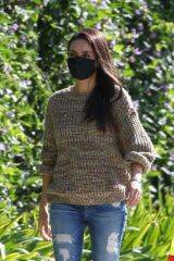 Mila Kunis Meets up with friends in Los Angeles