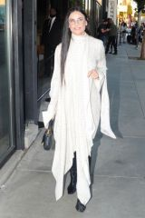 Demi Moore Attends Brian Bowen Smith's Drivebys Book Launch And Gallery Viewing on Melrose Ave in Los Angeles