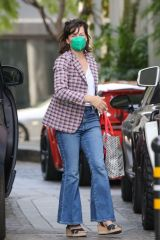 Milla Jovovich Heads to lunch at Beverly Wilshire Hotel in Beverly Hills