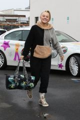 Joelle Joanie 'JoJo' Siwa & Jenna Johnson Pose up as they are seen leaving practice at the dance studio in Lods Angeles