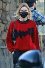 Stella Maxwell Goes shopping at the local meat market with her new girlfriend in Los Feliz