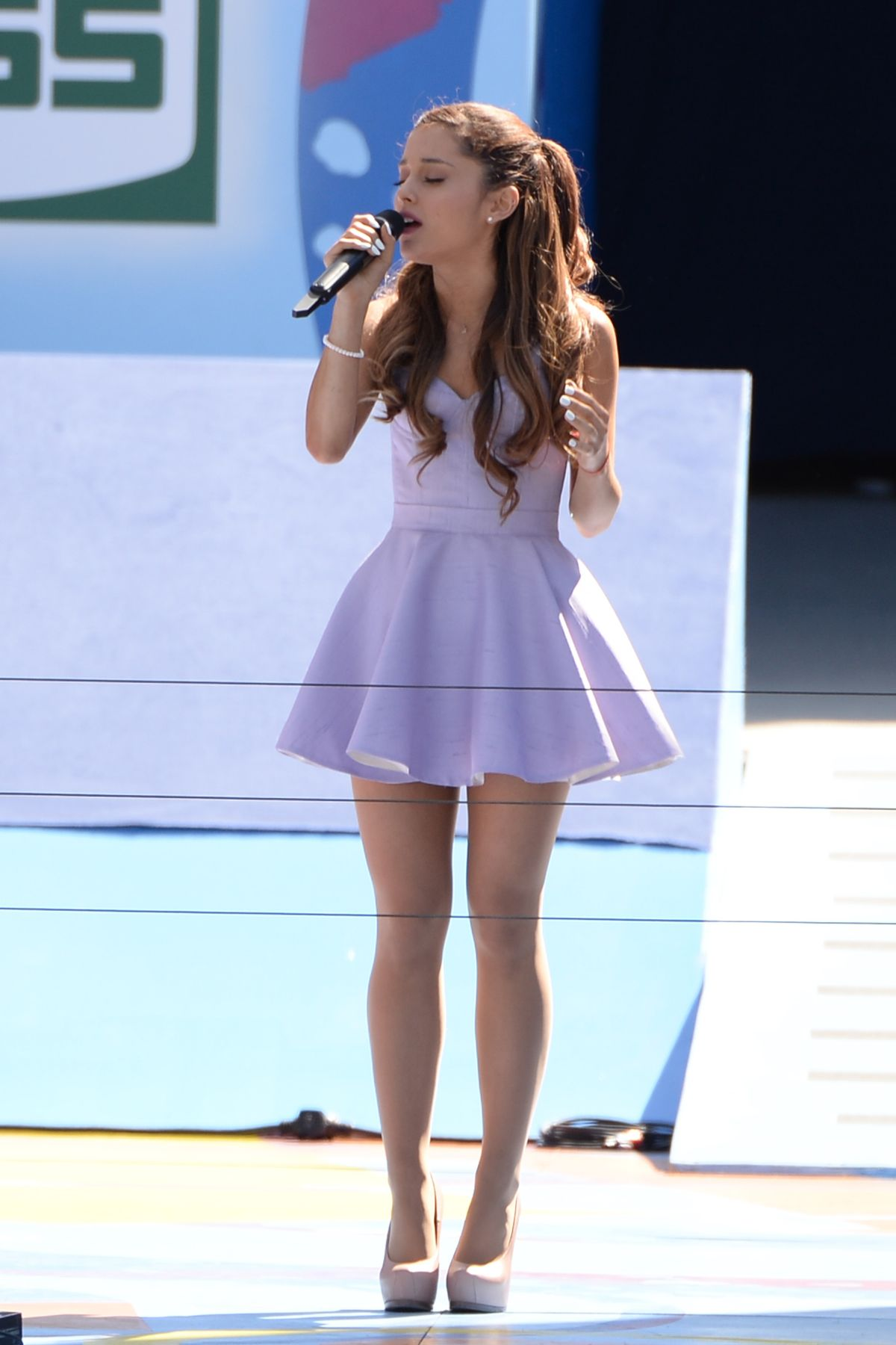 Ariana grande at 2013 arthur ashe kids day in nyc celebzz celebzz ariana grande at 2013 arthur ashe kids day in nyc voltagebd Images