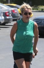 Britney Spears At Toys R Us In Thousand Oaks