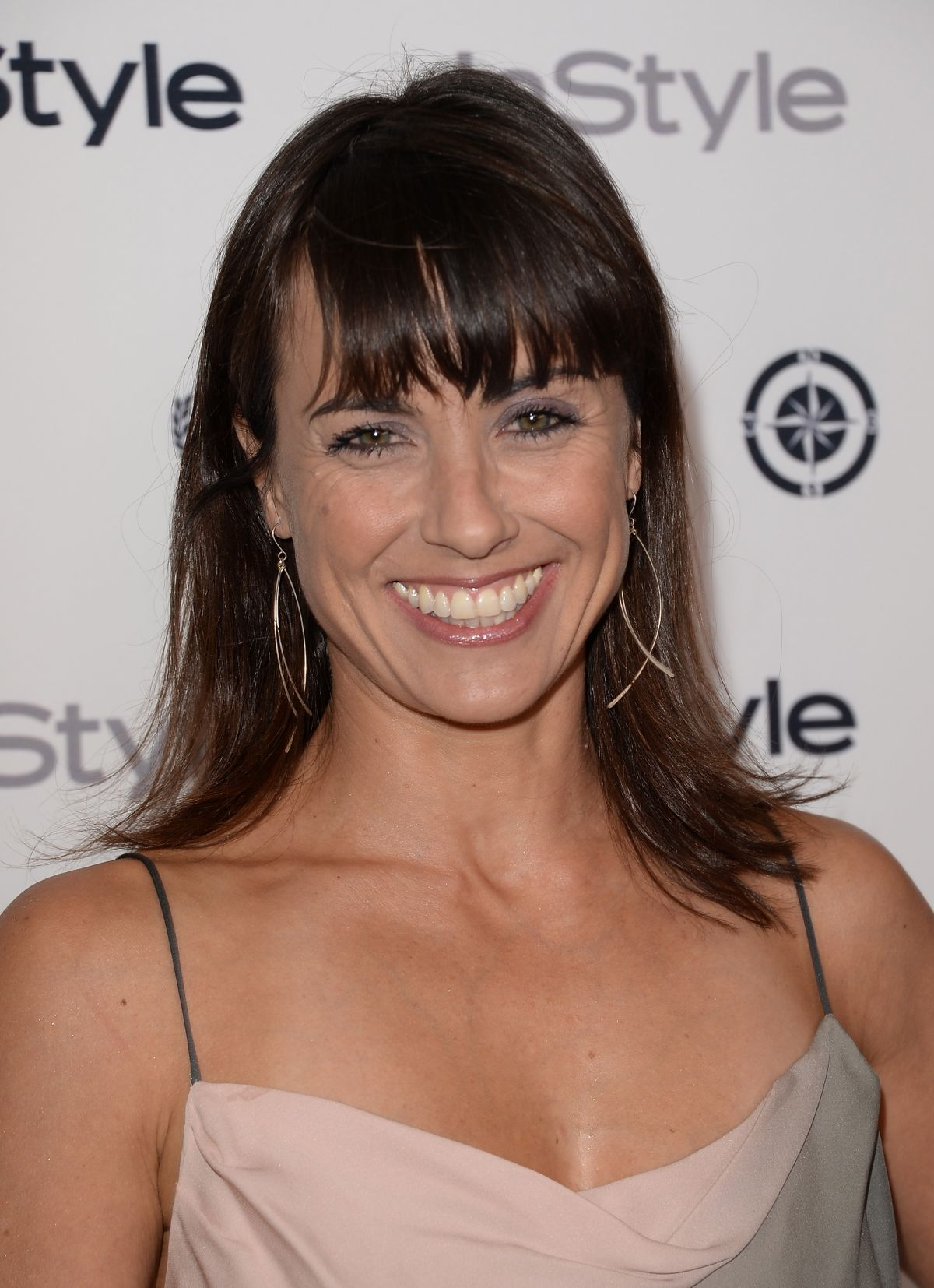 The 46-year old daughter of father Gunter Zimmer and mother Ingrid Mueller, 168 cm tall Constance Zimmer in 2017 photo