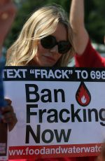 Daryl Hannah Is Anty Fracking In Washington DC