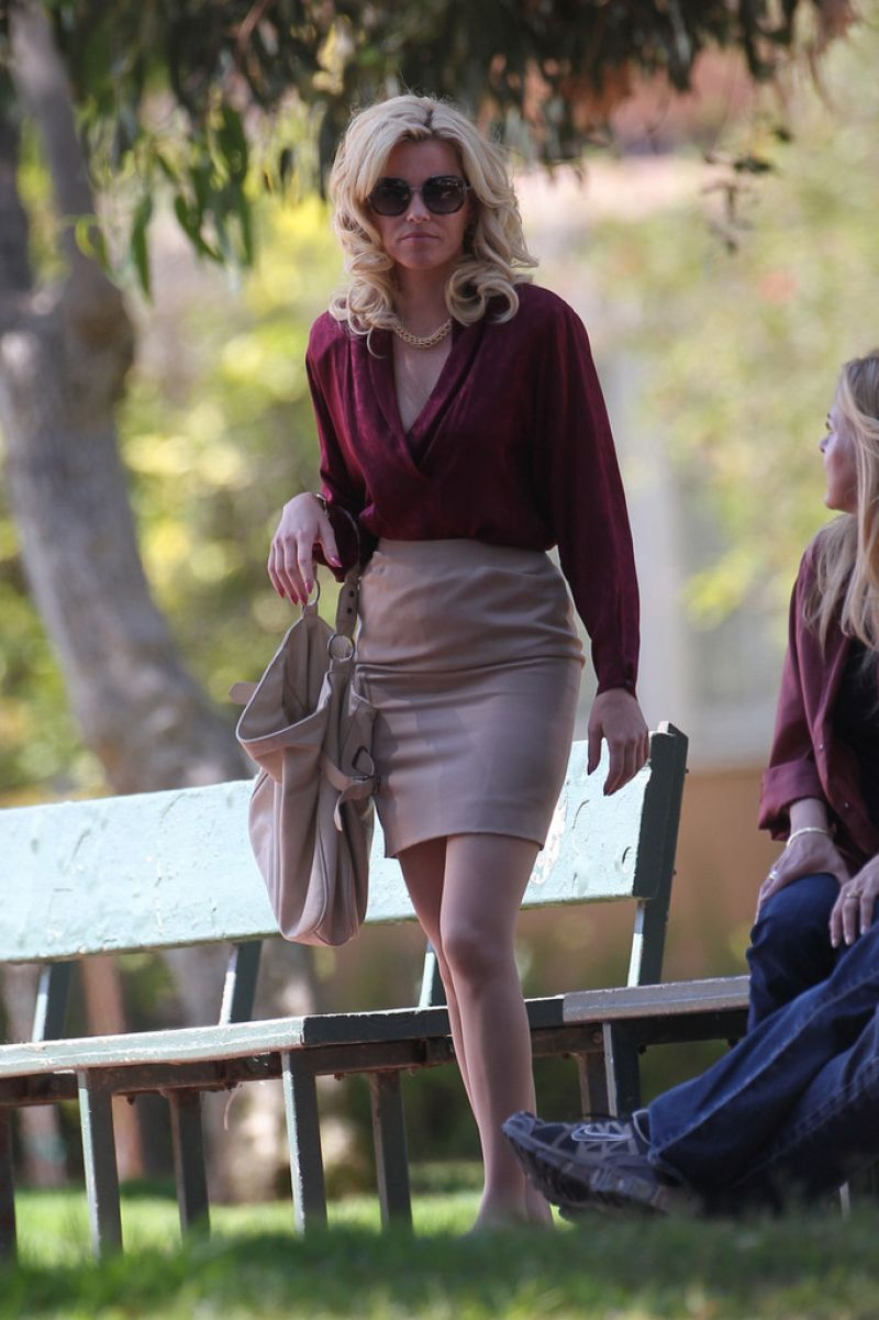Elizabeth Banks On The Set Of Love And Mercy In LA