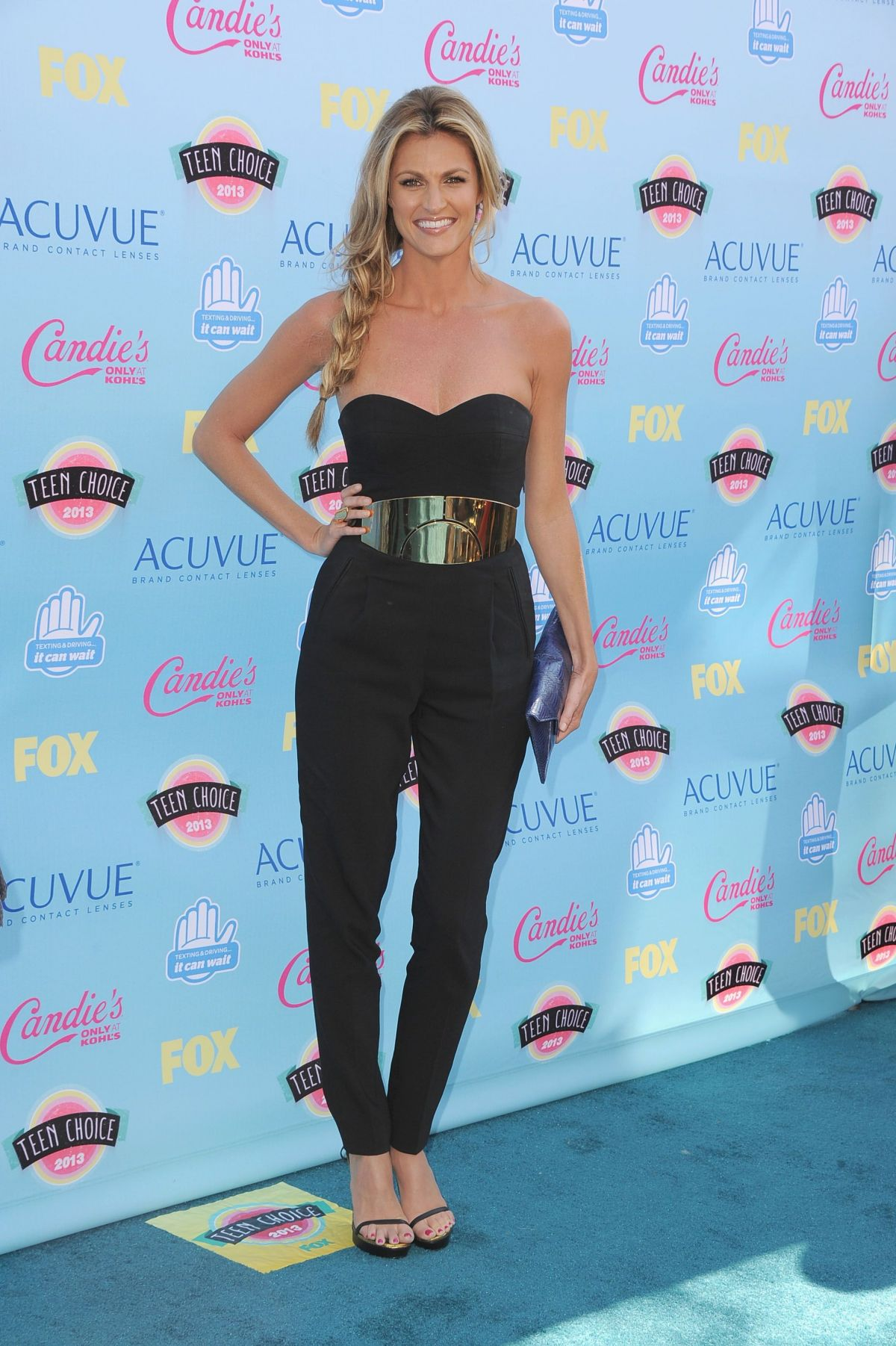 Erin Andrews At Teen Choice Awards In Universal City