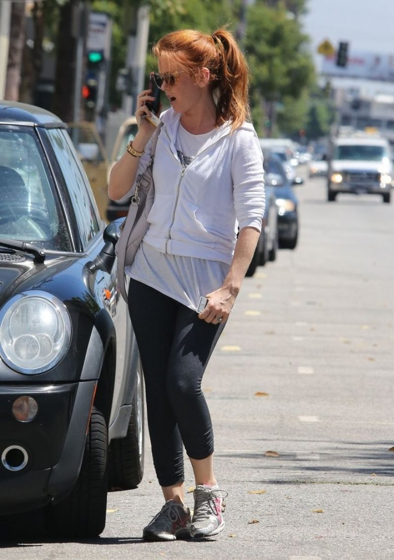 Isla Fisher At A Gym In Studio City