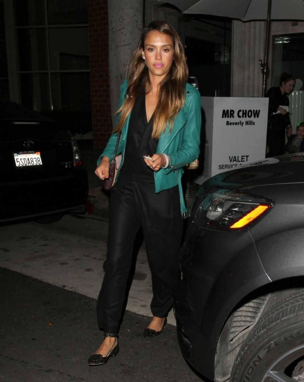 Jessica Alba At Mr Chow Restaurant In Beverly Hills
