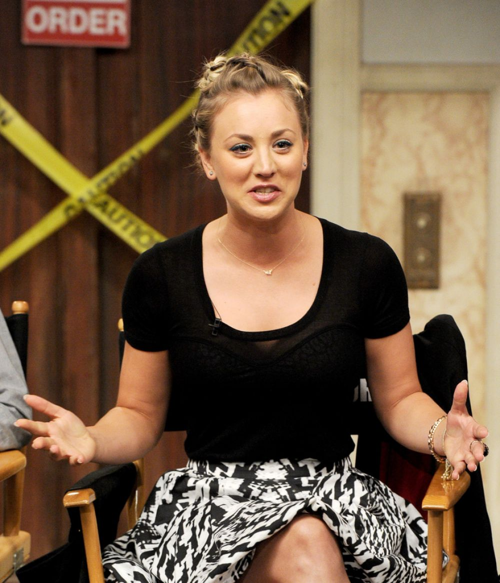 Kaley Cuoco At Dialogue On The Set Of The Bing Bang Theory In Burbank