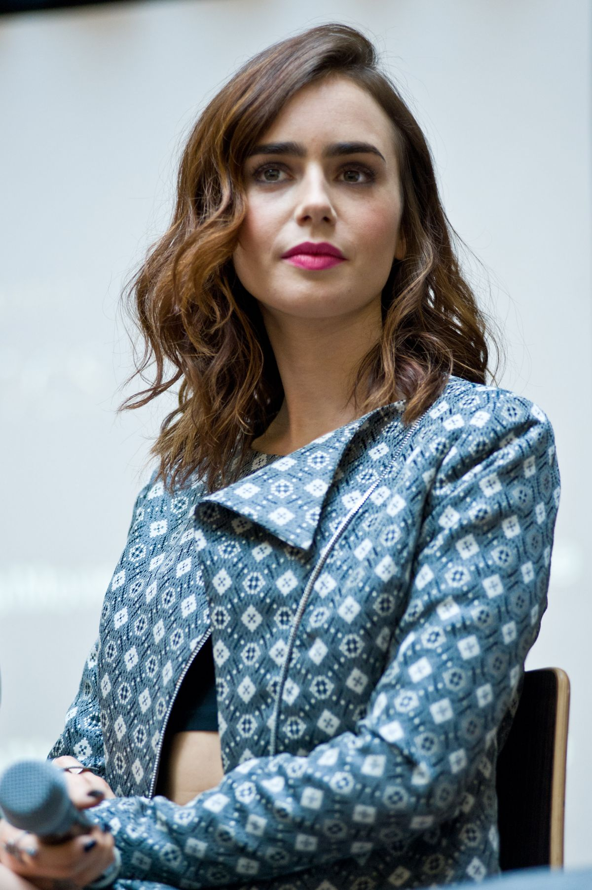 Lily Collins At Mall Tour In Chicago