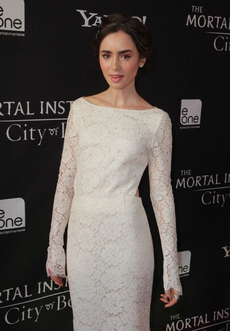 Lily Collins At The Mortal Instruments City Of Bones Premiere In Toronto