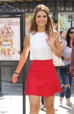 Maria Menounos At The Grove To Do An Interview For The Show Extra In LA
