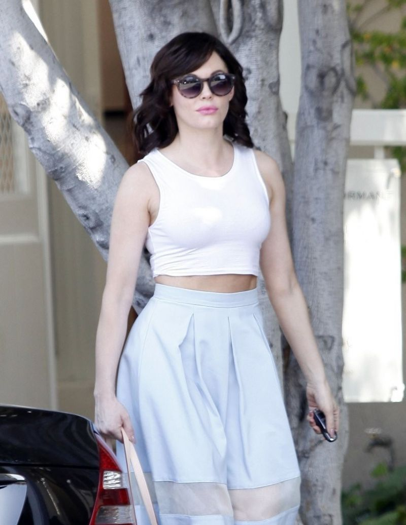 Rose McGowan On Melrose In Los Angeles