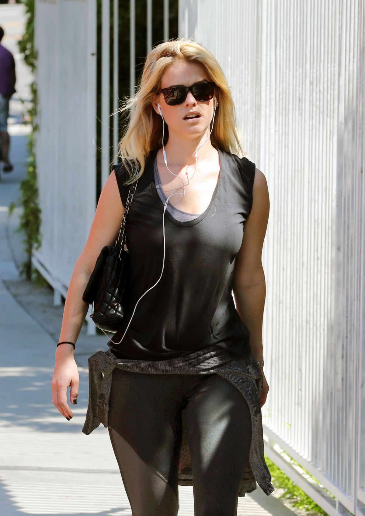 Alice Eve Heads To The Gym In West Hollywood