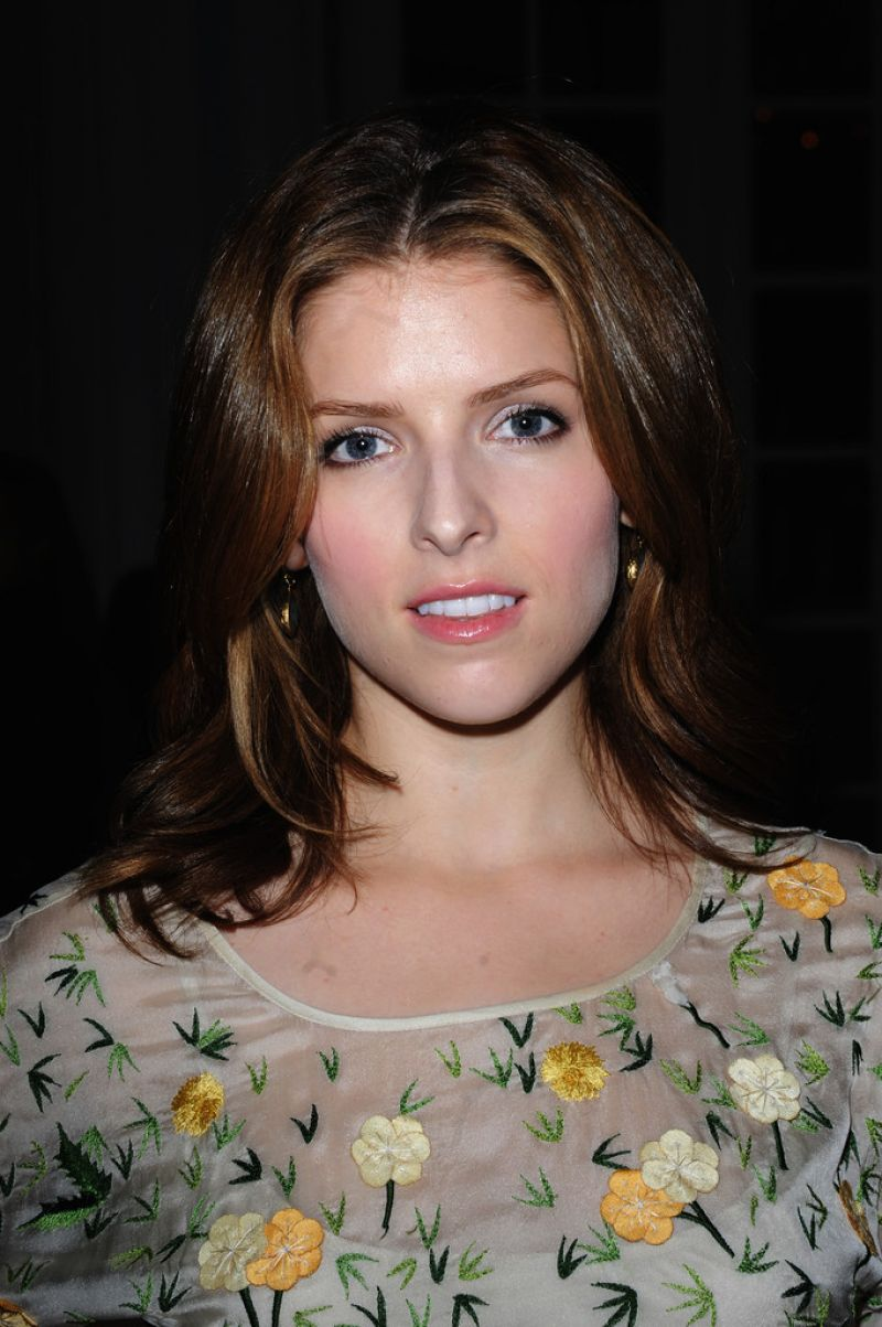 Anna Kendrick At Temperley Spring 2014 Fashion Show In London