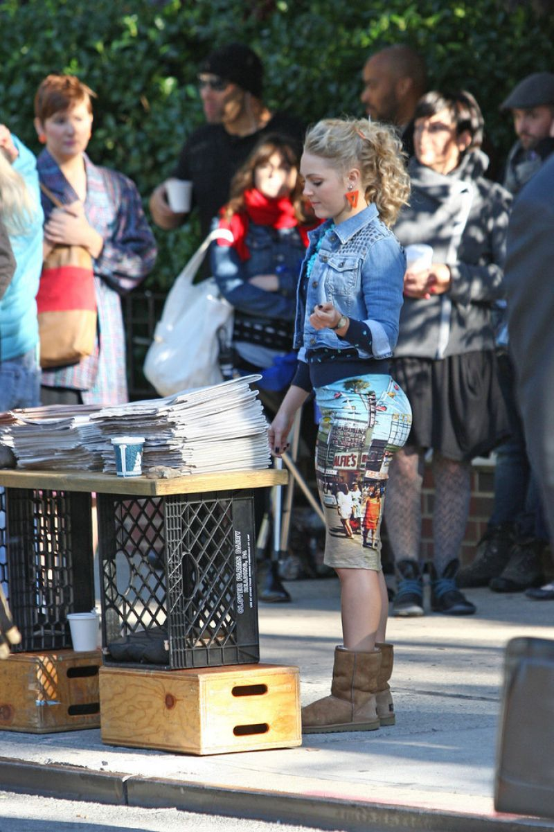 AnnaSophia Robb On The Set Of The Carrie Diaries In NYC