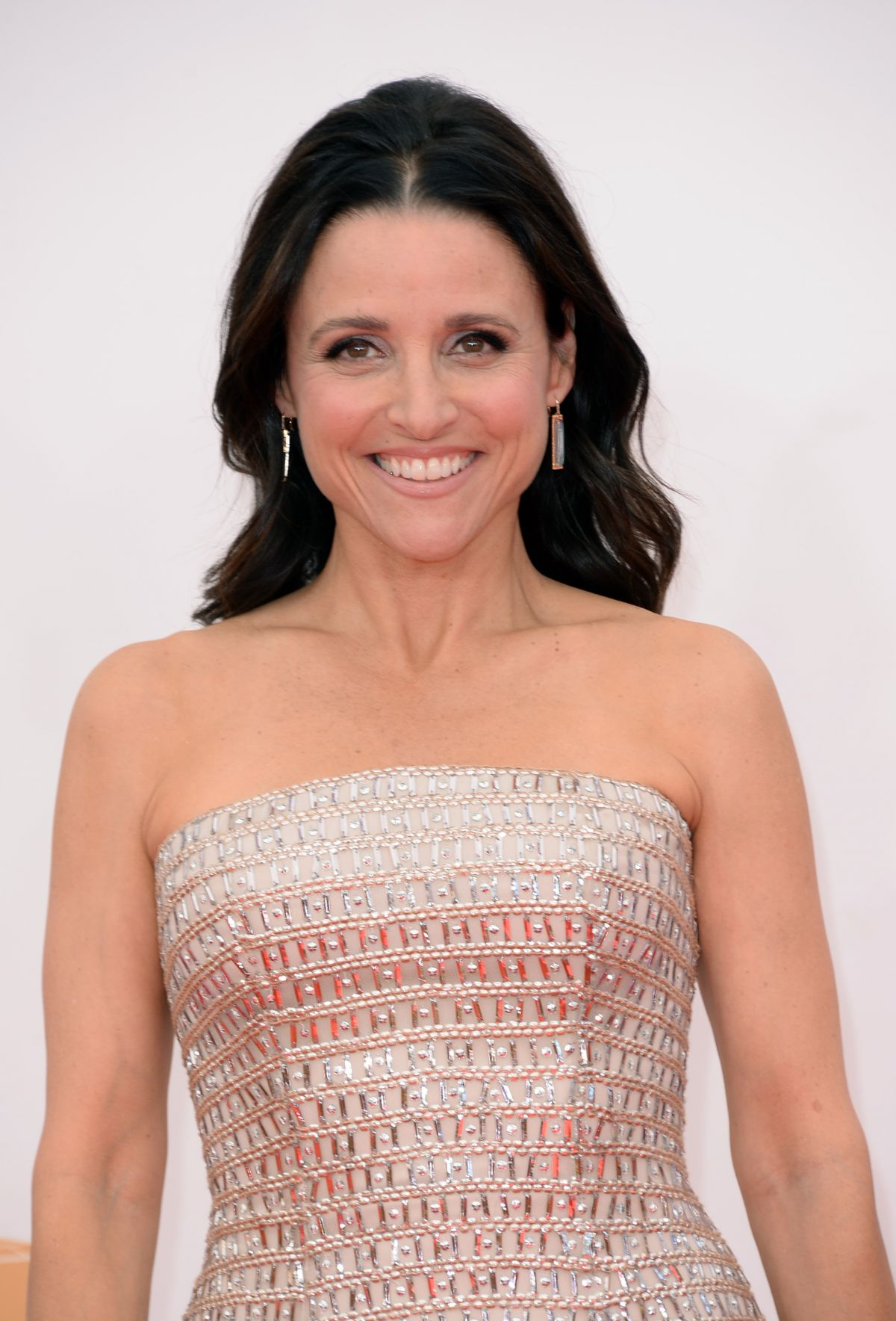 Julia Louis Dreyfus Body Weight Bra Size: Julia Louis-Dreyfus At 65th Annual Primetime Emmy Awards