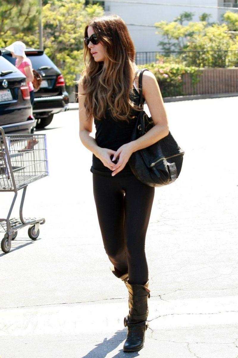 Kate Beckinsale At Gelson