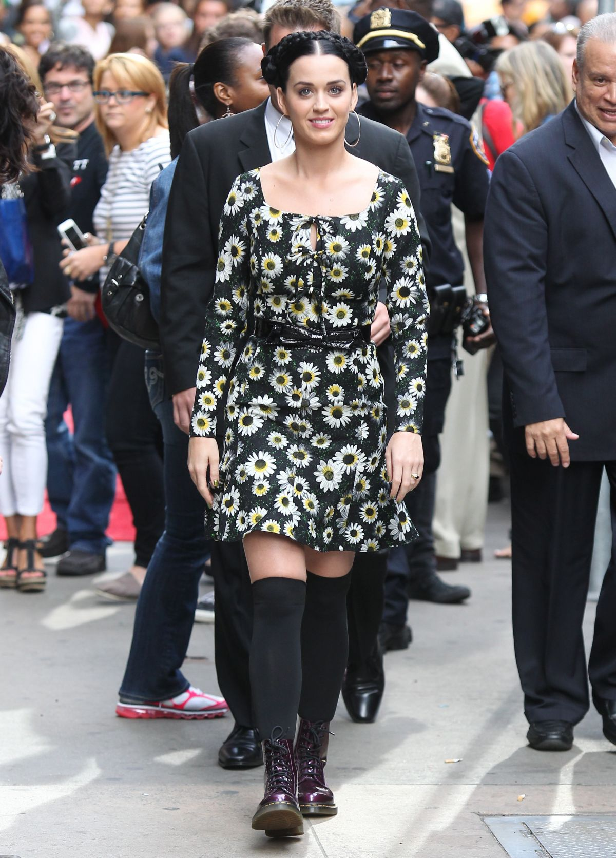 Good Morning America Los Angeles : Katy perry at good morning america celebzz