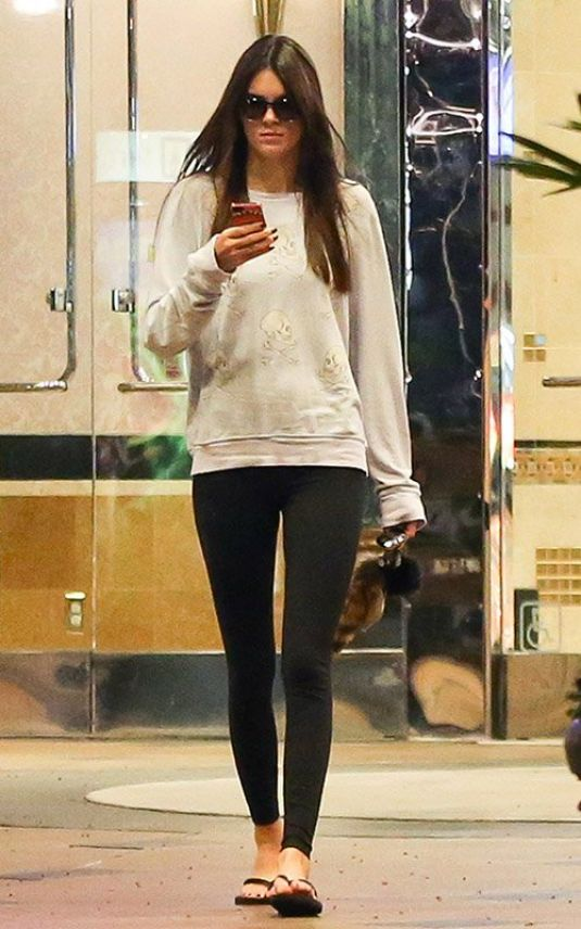 Kendall Jenner In Tights Out In Calabasas