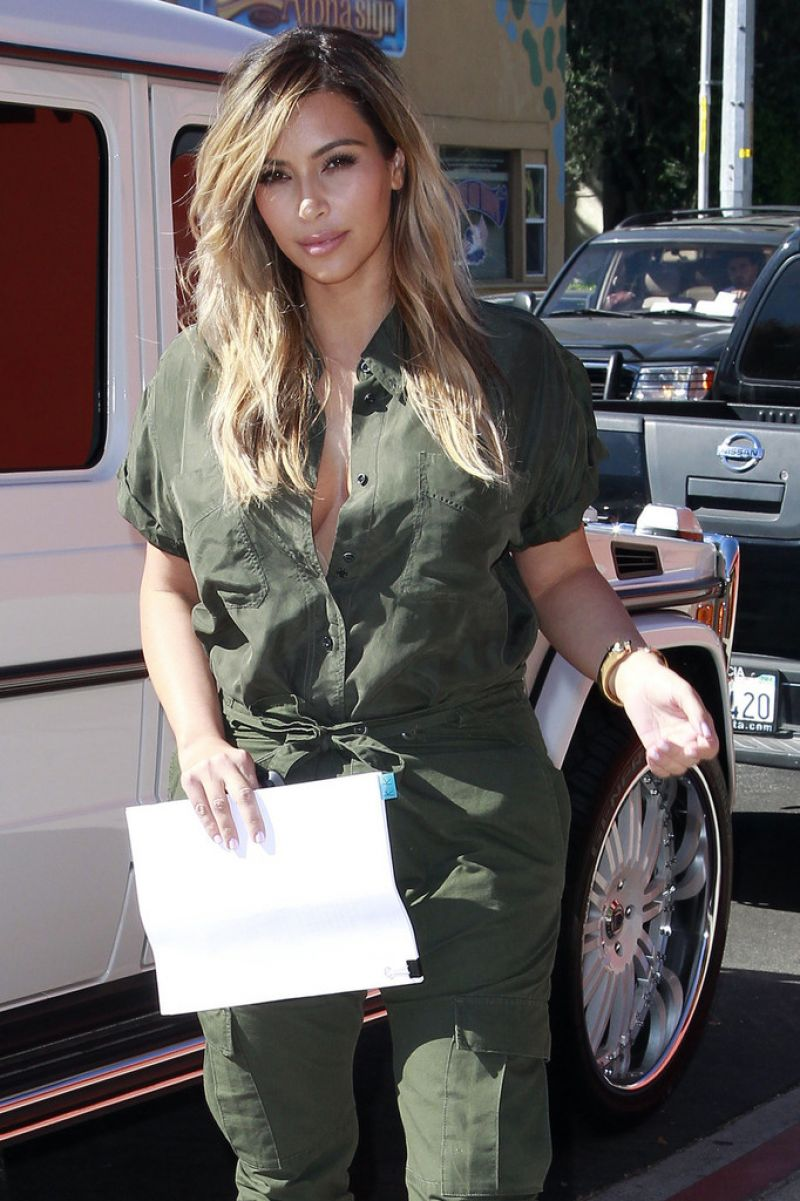 Kim Kardashian Out For Lunch In LA