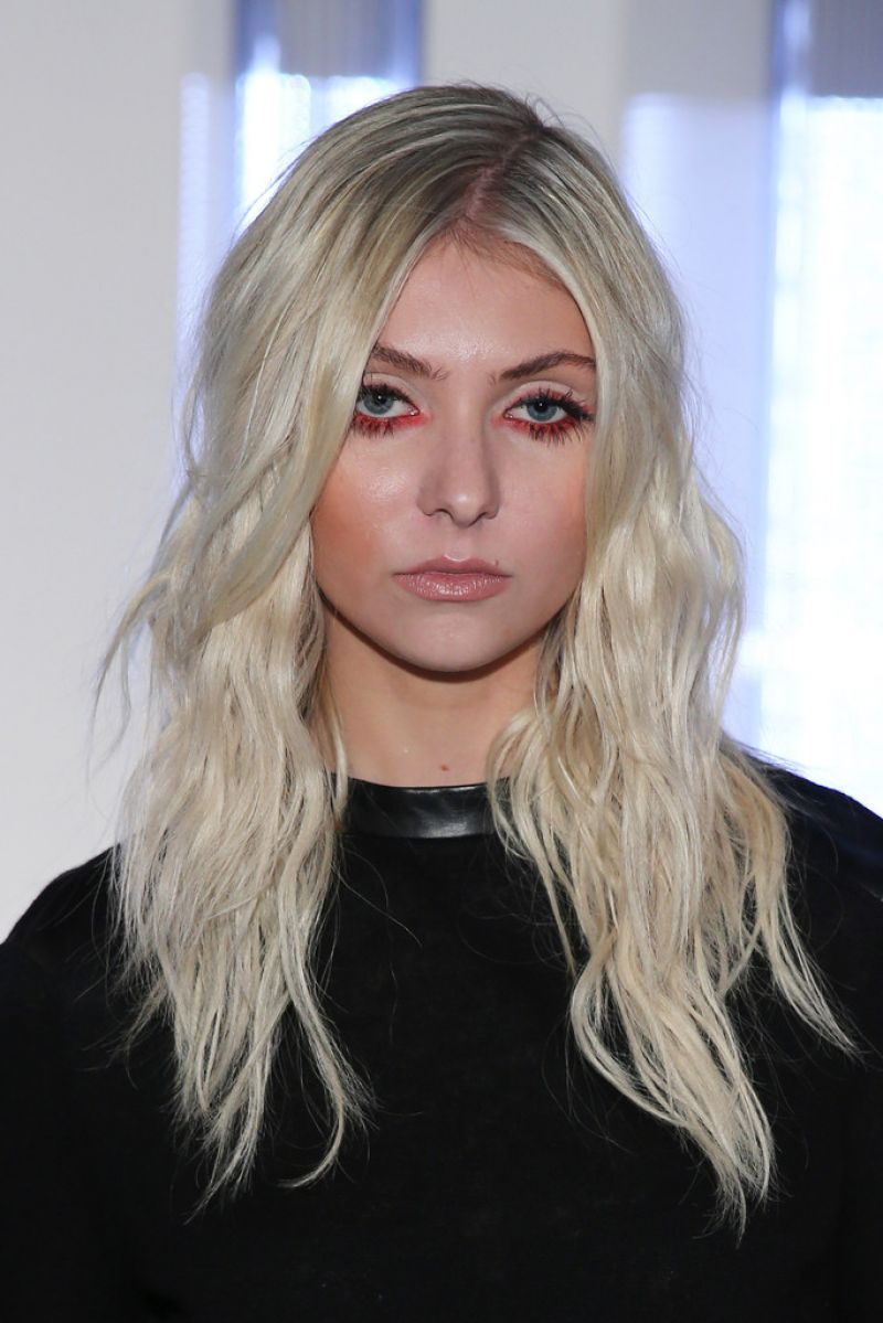 Taylor Momsen At Helmut Lang Spring 2014 Fashion Show In ... Taylor Momsen