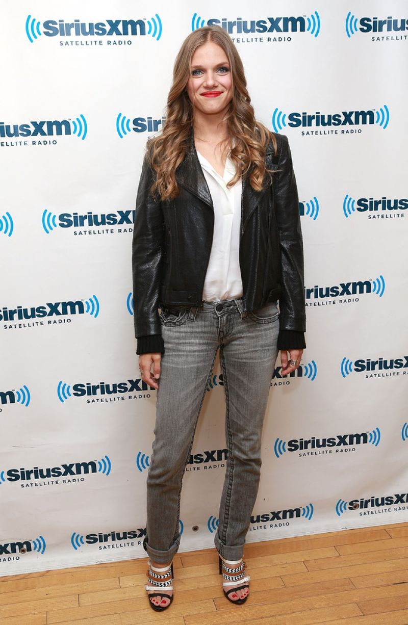 tracy spiridakos biography