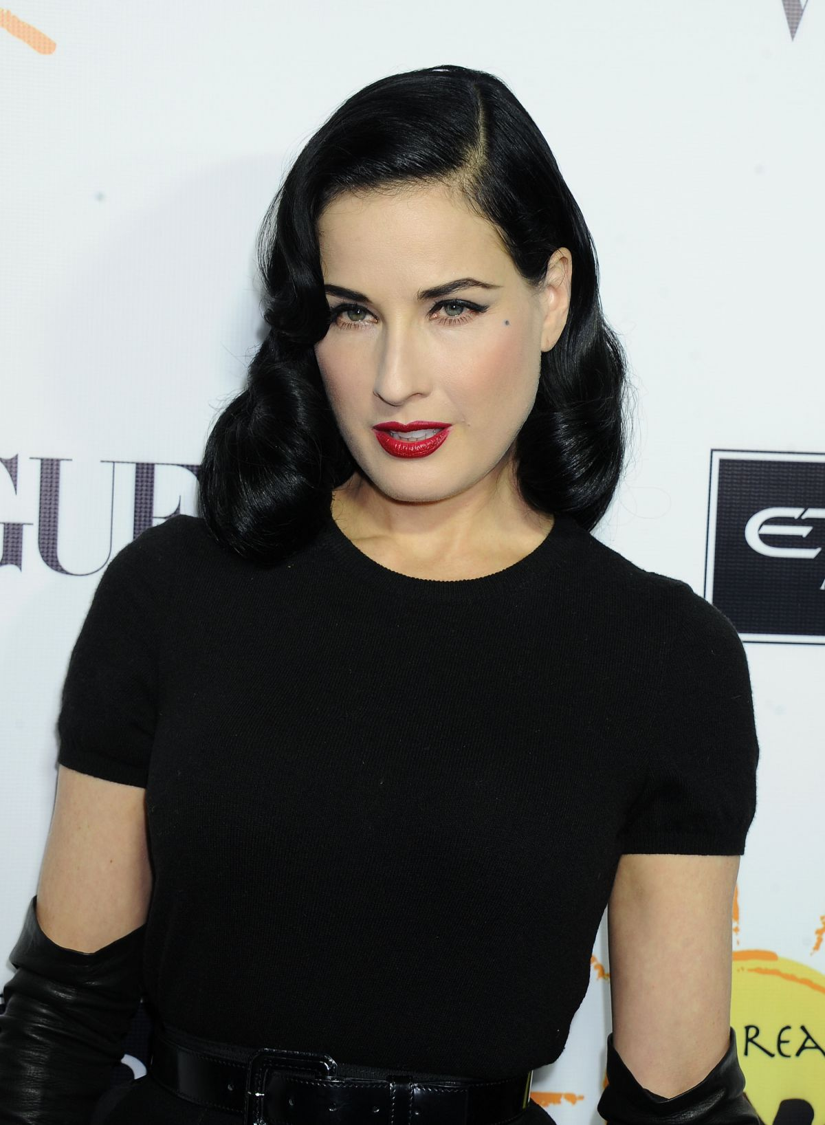 Dita Von Teese At The Dream For Future Africa Foundation Gala In Beverly Hills