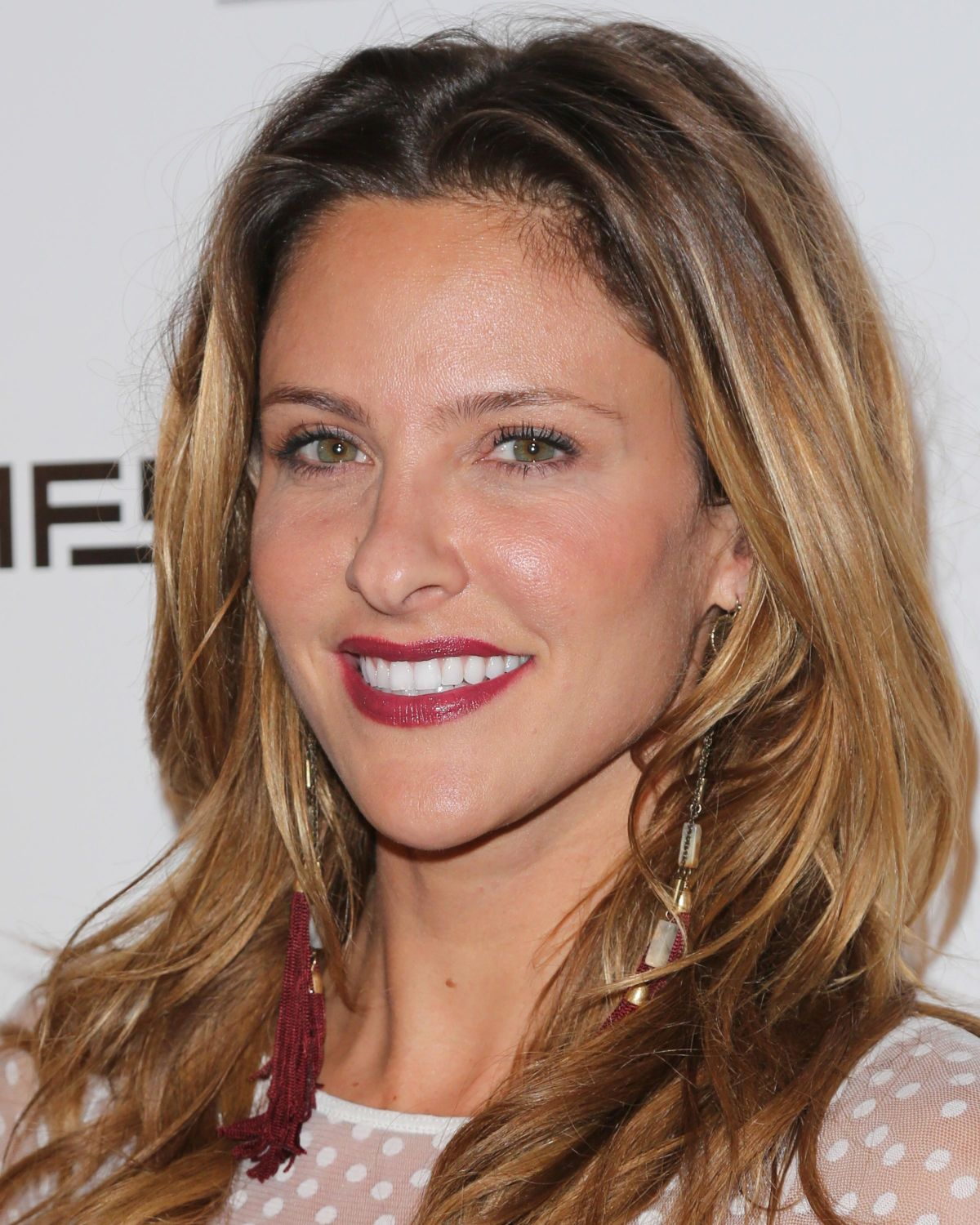 The 39-year old daughter of father (?) and mother(?), 173 cm tall Jill Wagner in 2018 photo